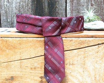 Vintage Tie Collar - Classic - Medium