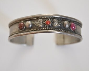 Vintage Silver Plated Cuff Bracelet, Red and Pink Gemstones, Navajo, Rope Design, Tribal Southwestern Jewelry