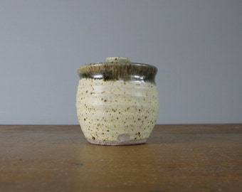 Rustic pot with lid / studio pottery / stoneware / keepsake / mustard pot / mid-century / condiment pot / *19