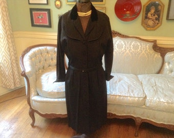 1940s Vintage Coat Dress Black with Velvet Collar