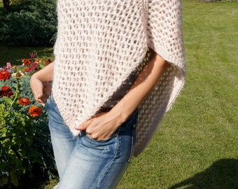 Hand knitted poncho / Lana Grossa Exclusive Yarns / Light Peach Salmon