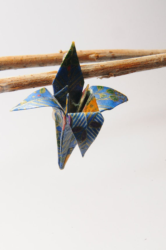 origami fleur de lys lapis lazulibrooch. Black Bedroom Furniture Sets. Home Design Ideas