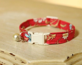 Pearl & Red Flower Shabby Chic Cat Collar with Cream Breakaway Buckle