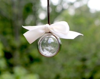Dandelion Seeds Locket - Make a Wish Necklace - Bubble Locket Necklace - Real dandelion seeds - Glass bubble - Dandelion Terrarium - Boho