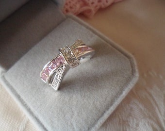 Antique Art Deco vintage White Gold twist band ring with Sapphire Pink and White stones ring size 7