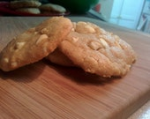 Low Carb High Protein Organic White Chocolate Macadamia Nut Cookies (available in vegan/sugar free)