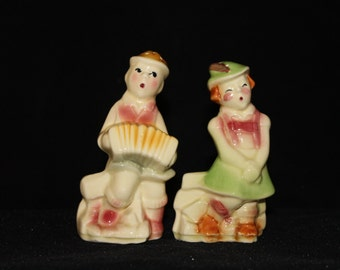 shawnee swiss yodeling children salt and pepper shakers