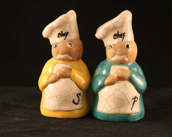 very cool chef salt and pepper shakers