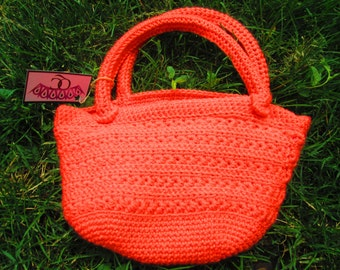 Crochet purse with lining and poket
