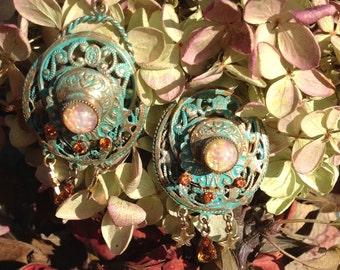 Jewelry-Vintage findings-Swarovski crystals-
