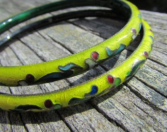 Pair of Early Antique Cloisonne Enameled Bangle Bracelets in Yellow and Green