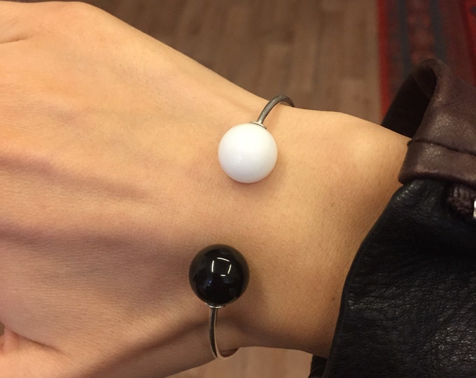 Silver bracelet with black and white agate - silver bracelet - cuff bracelete - natural stone - gift