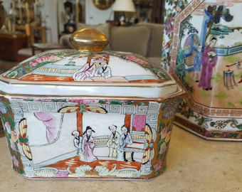 Asian Style trinket box Dish with lid