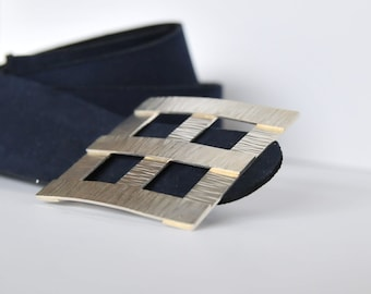 Square hammered silver buckle belt