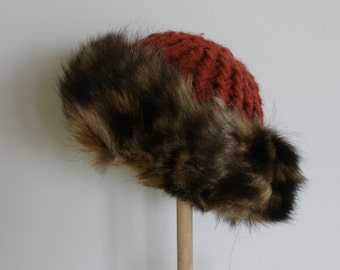 Early 1980's Vintage Rustic Raccoon Fur and Knit Women's Winter Hat NWT NOS from Simpson's Sears Unisex