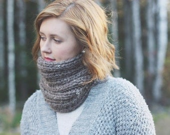 Wool Blend Chunky Knit Scarf | The Mira Mhór Cowl in Willow