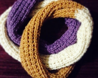 Knitted Infinity Fall Scarf