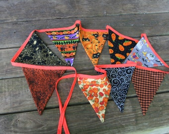 Halloween Print Fabric Banner Bunting/ Halloween Pennant Flags party decor