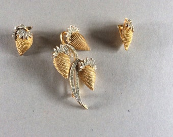 CORO brooch and earclips 1970s Strawberries .good quality.
