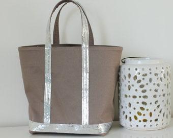 Glittery bag size M beige/silver