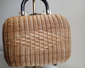 Vintage Wicker Handbag by Donna.