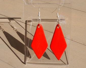 CERAMIC EARRINGS-red diamond