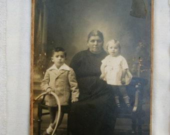 Antique Photo.Sepia.Vintage chidren photo.Vintage toys.Hoop.Collectible.Vintage paper.Ephemera.España vintage photo.Original  photo.