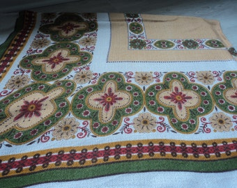 REDUCED - French vintage cotton tablecloth (03209)