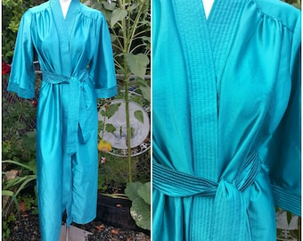 Womens sleepwear-Robe-Size Medium-Feminine-Luxury item- Belt-Nice color-Vintage by SuElles-Gift for her-Holidays-Embroidery-Maternity-COLD