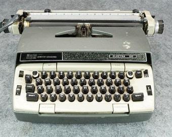 Smith Corona Electric Typewriter Model Electra 120 c. 1970s Needs Work