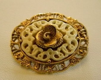 Round Gold Tone Ivory Look Pin Brooch