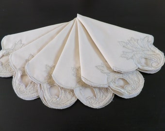 6 Large Vintage Linen Embroidered Napkins, as new.