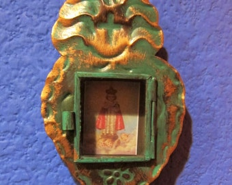 Santo Retablo Mini-Heart Nicho - Infant Jesus of Prague