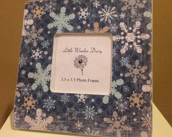Snowflake Picture Frame / Christmas Frame / Snowflake Frame / Decoupage Picture Frame