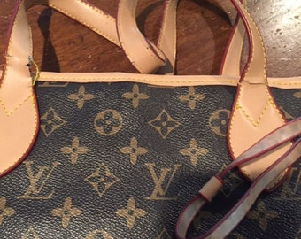 LV tote style bag..lots of wear on handles...classic