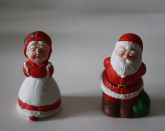 Vintage Santa Claus and Mrs. Claus Salt and Pepper Shakers