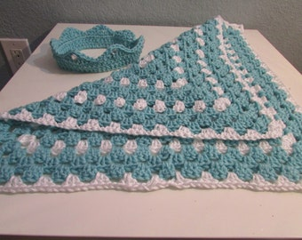 Crochet baby blaket and crown