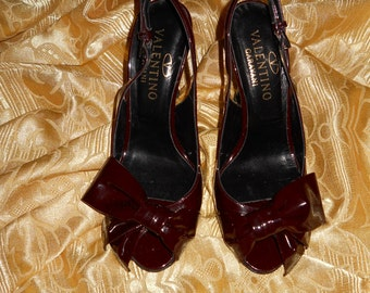 Genuine vintage Valentino Garavani shoes !  Made in Italy ! Genuine leather