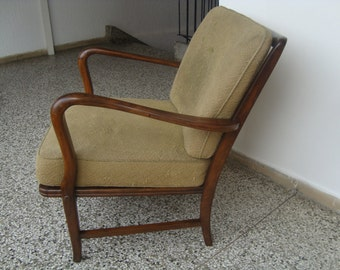 Armchair in Frits Henningsen style
