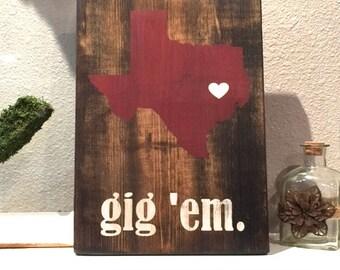 Texas A&M Sign Aggies Gig 'em