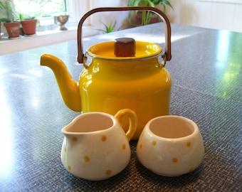 Yellow Enamel Tea Kettle Gailstyn Co Japan 70s Vintage