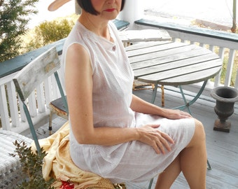 Simple White with Purple Cotton 1920's Flapper/Great Gatsby/Afternoon Gingham Dress