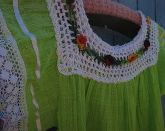 Vintage Ecuadorian Girl's Dress Peasant Dress
