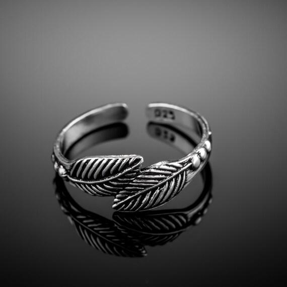 Sterling silver toe ring. silver midi ring. silver toe ring. fitted toe ring. open end ring. adjustable ring.silver knuckle ring.silver ring