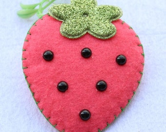 5pcs Pink Strawberry patches for handmade Sewing DIY