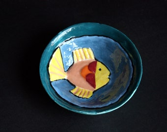 Ceramic bowl decorated with a fish