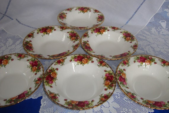 Rare ROYAL ALBERT Old Country Roses Rimmed Soup Plate Bowl