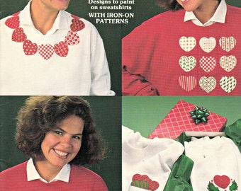 The heart Of Christmas Iron On Transfer Patterns Book, Appliqué Designs, T-Shirt Transfers, Fabric Painting Designs