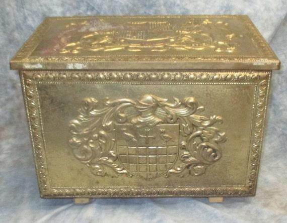 تزیین صندوقچه فلزی با ورق طلایی