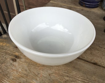 Vintage White Pyrex Mixing Bowl, 404, 4 Quart